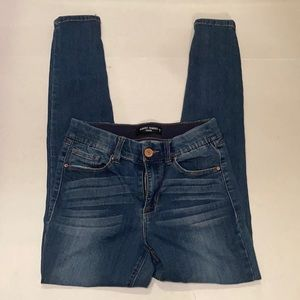 Almost Famous Jegging Blue Jeans size 7